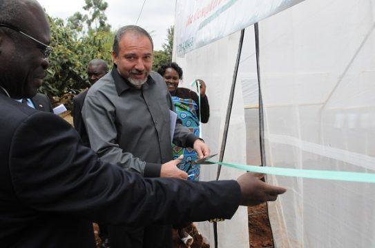 אביגדור ליברמן בקניה, שר החוץ